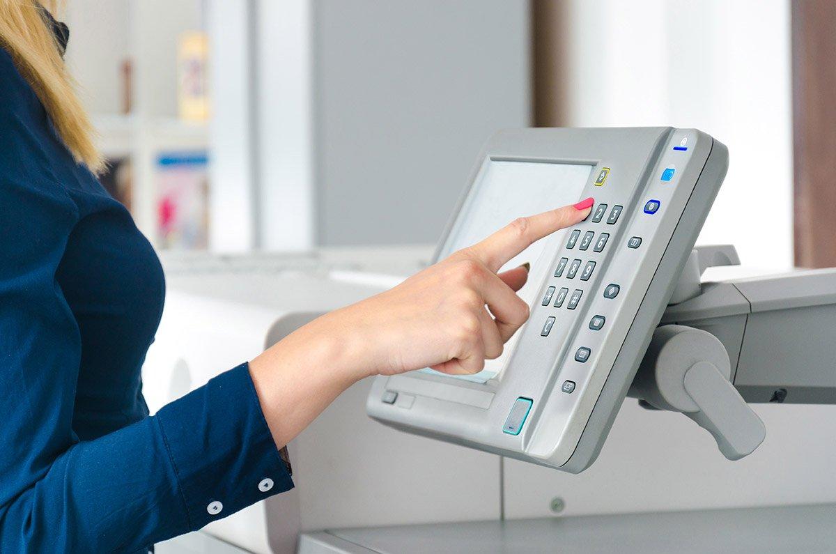 Máquina fotocopiadora color y blanco y negro